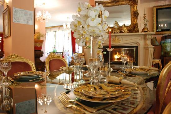 Elegant Lux Hotel : Restaurant