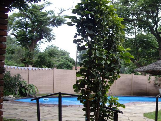 Outpost Lodge: Een heerlijke duik in het zwembad