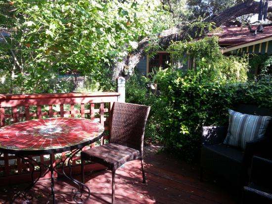 Park Lane Guest House: Patio off Cottage