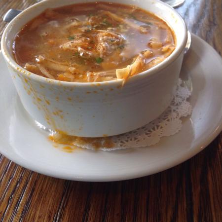 Tubac, AZ: Such sloppy soup presentation