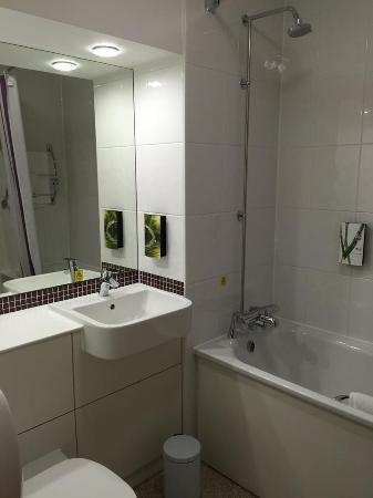 A fürdőszoba - Picture of Premier Inn Birmingham City Centre (New ...