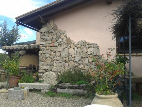 Agriturismo Montecresia: Scorcio della struttura