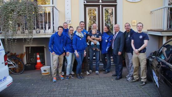 Hotel Villa Kisseleff: Unser Team vor dem Hotel