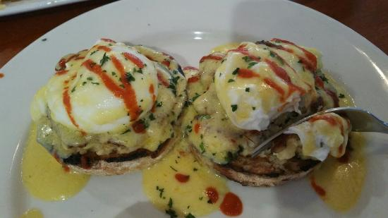 Ely, MN: Very Good. Breakfast enchilada frittata, Crab cake eggs Benedict.   Hashbrowns.  Very good.