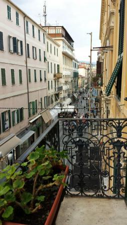 Hotel Eletto: Vue de la chambre 226