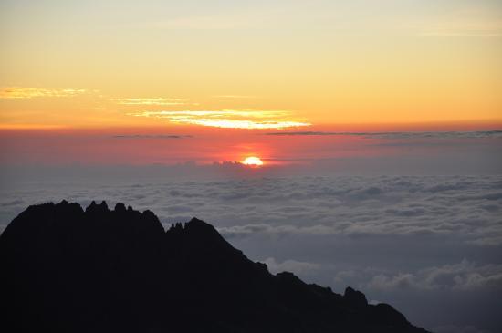 Kilimanjaro National Park, Tanzania: Sunrice at Kili