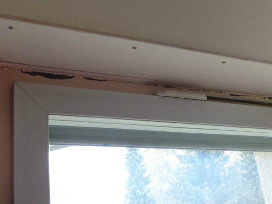 DEKRA Congresshotel Wart : Renovierungsbedarf Fenster