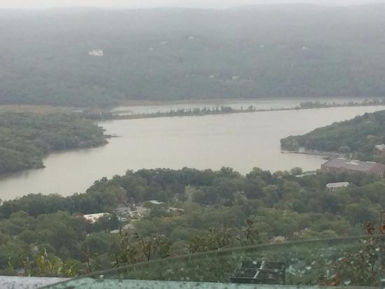 The Hudson River Crest B&B: View of the Hudson from the Backyard of the Hudson RIver Crest BnB