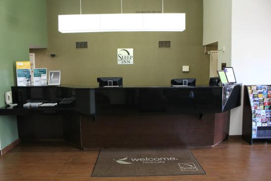 Sleep Inn Horn Lake : Front Desk