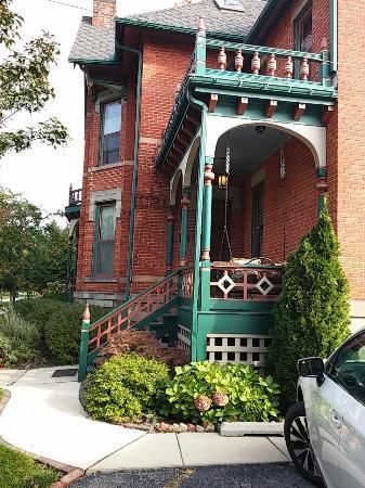 Bay City, MI: Back porch and entrance