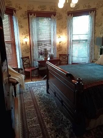 Bay City, MI: Bedroom next door
