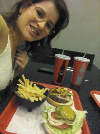 Rock burger: Lanche delicioso