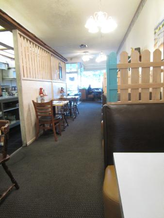 Allison's Country Cafe: interior toward street