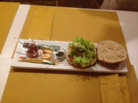 Montottone, Italia: Pizza hamburger