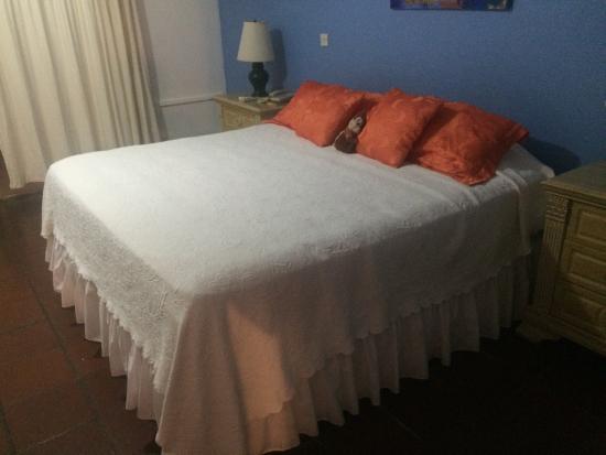 Anchorage Hotel & Dive Center: photo3.jpg