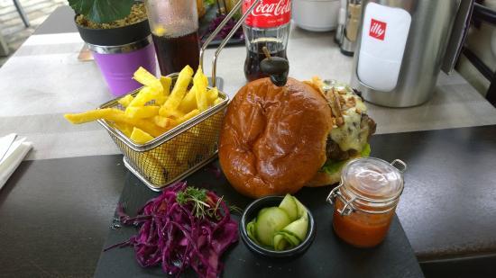 The Little Rock : Beef Burger