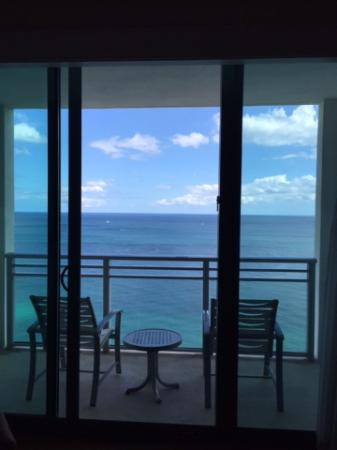 The Diplomat Beach Resort Hollywood, Curio Collection by Hilton: View of balcony and oceanfront view