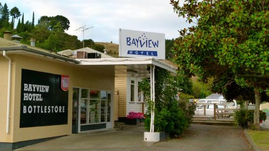 Bay View Hotel & Holiday Park