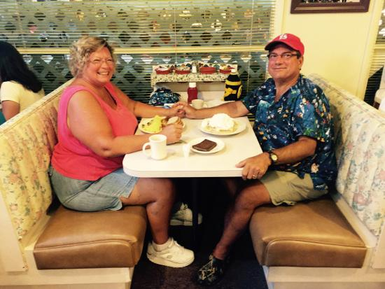 Samuel's Pancake House: Breakfast at Samuels