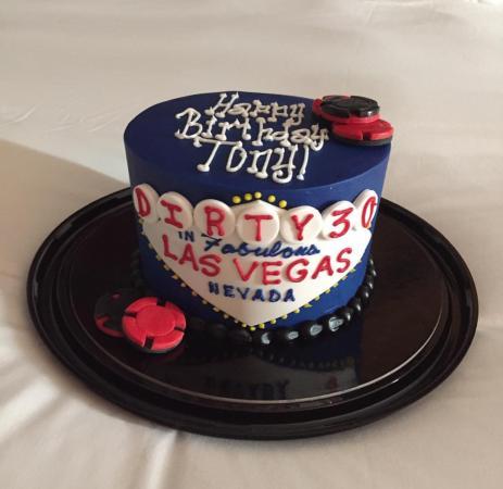 Retro Bakery: Amazing cake!!