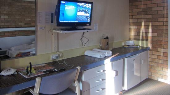 Wanderlight Motor Inn : Desk area