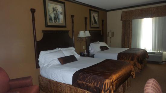 Wingate by Wyndham Abilene: The renovation is truly breathtaking. The rooms are clean and look great.