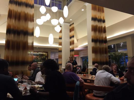 Hilton Garden Inn Florence: Lobby, Food, Drinks, Coffee, TV and Cookies