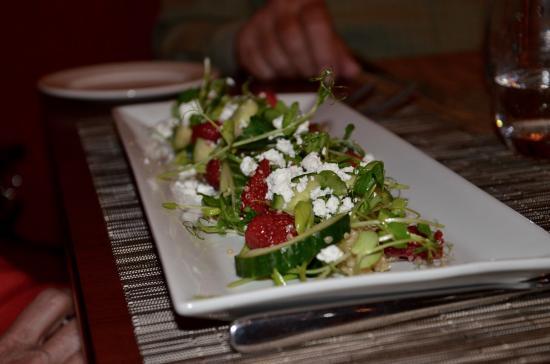 Terrafina Restaurant: Salad: raspberries, pea shoots, goat cheese & cukes.