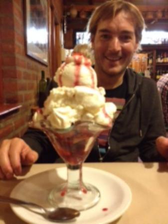 Parrilla El Loco : Copa helada de frutillas