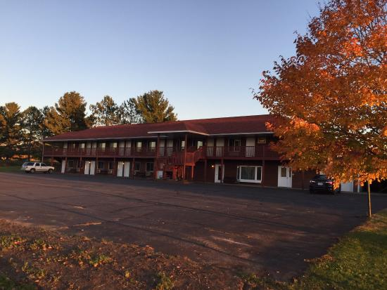 Birchwood Motel