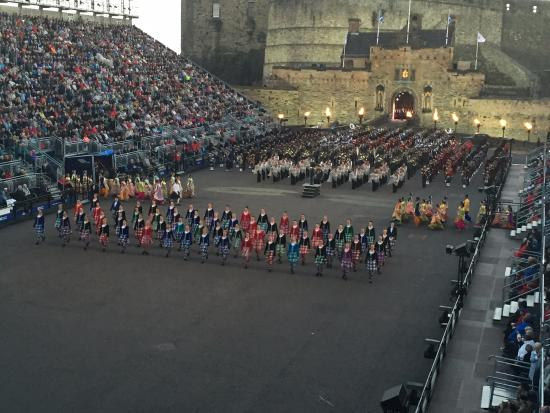 2015 edinburgh royal military tattoo lone piper for Royal military tattoo