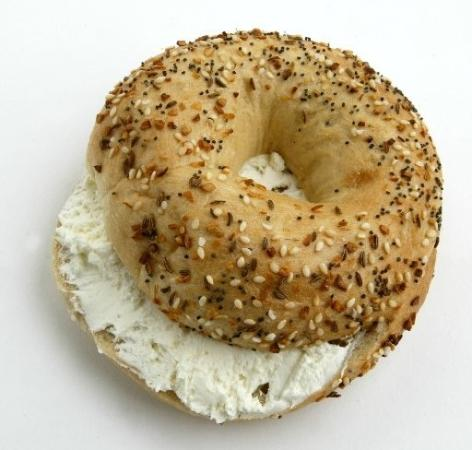 Berkeley Springs, Wirginia Zachodnia: Long Island bagels in WV? Awesome!!