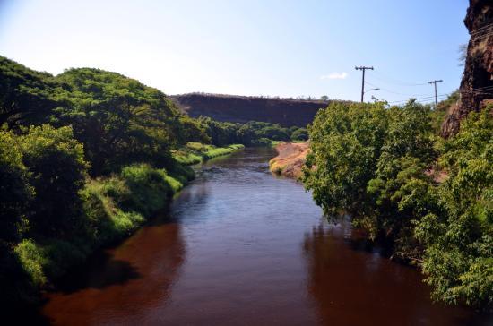 Kiki a Ola (Menehune Ditch): Waimea river