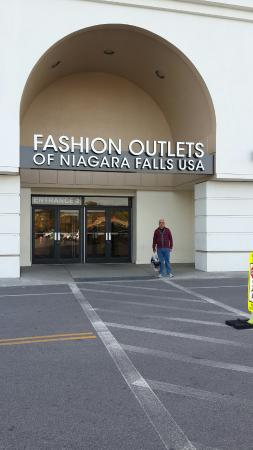 Fashion outlets niagara falls hours 85