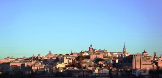 Vista para Cidade de Toledo - HOTEL CIGARRAL EL BOSQUE