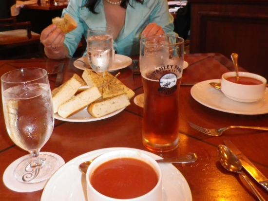 Griffins Restaurant: 食事