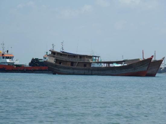 Τανζουνγκμπενόα, Ινδονησία: Turtle Island Tour