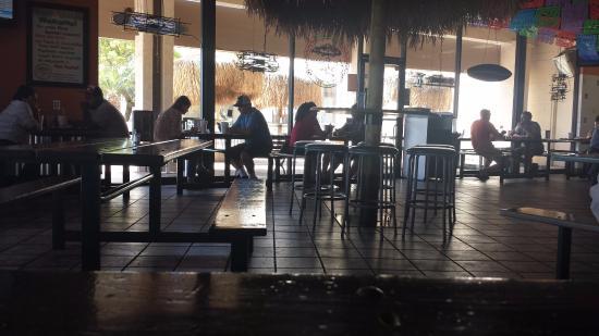 Las Palapas Taco Grill: Inside dining area