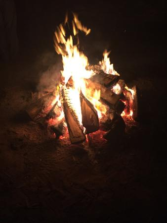 East Windsor, Nueva Jersey: Warm up at the bonfire