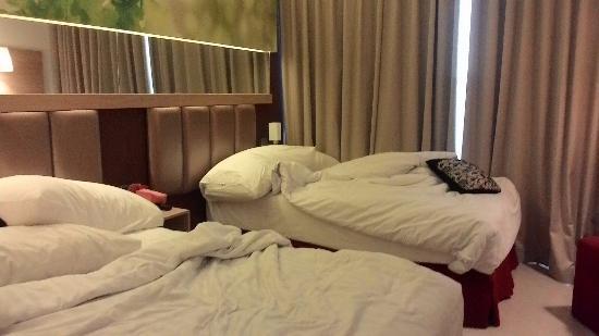 bedroom ignore the mess picture of hotel zia agria bogor bogor rh tripadvisor ie