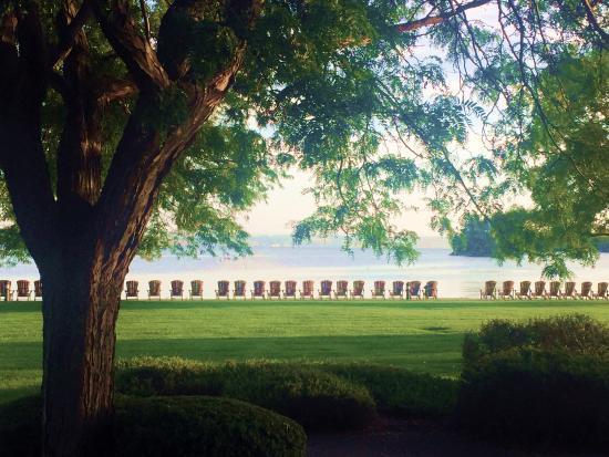 ذي إن أون ذا ليك: view from room patio towards lake