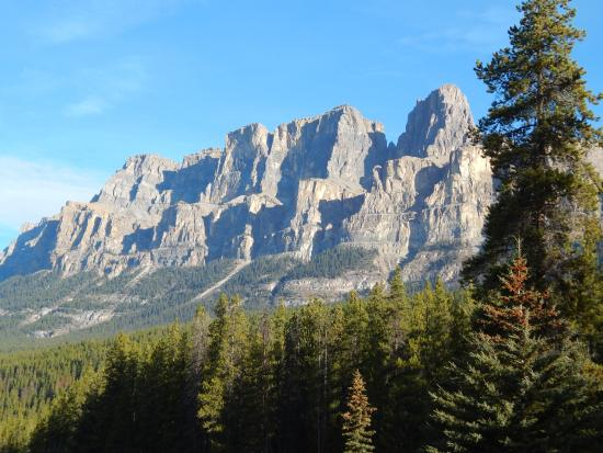 Bow Valley Parkway: Castle Mountain
