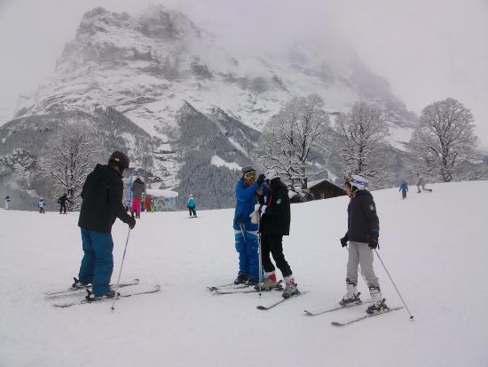 Гриндельвальд, Швейцария: Aula de esqui com instrutora da Buri Sport
