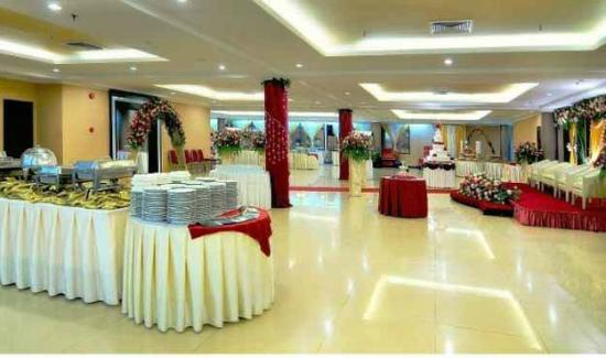 Sanno Hotel: ballroom