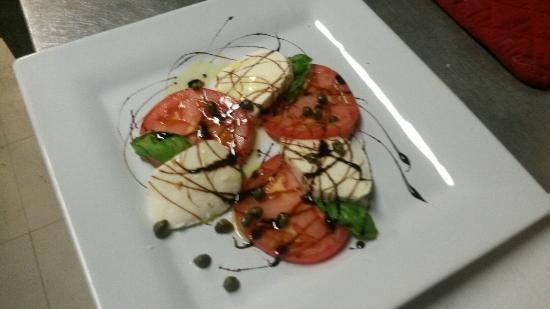Dino's Ristorante Italiano: Caprese Salad!