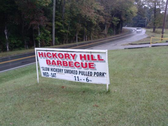 Scottsville, KY: The sign of great barbeque