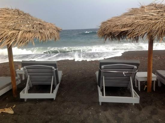 Iliada Hotel : black sand beach about 100 meters from hotel