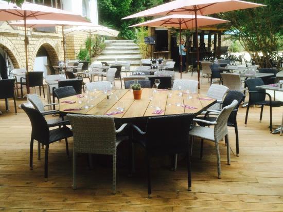 Table Ronde Terrasse Photo De Les Arcades Sarlat La Caneda