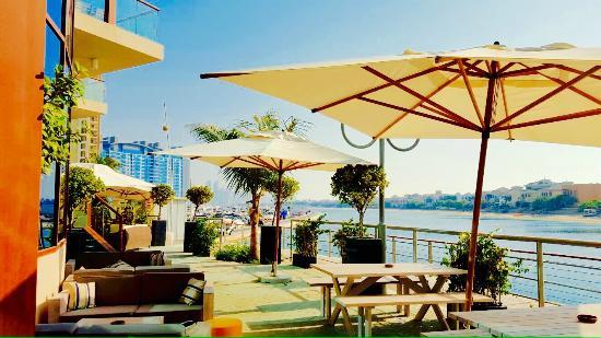 Sun& Mediterranean Lounge