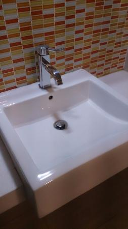 Ipoh French Hotel: Clean sink